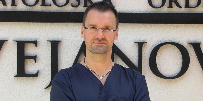 Dr Srđan Cvejanović
